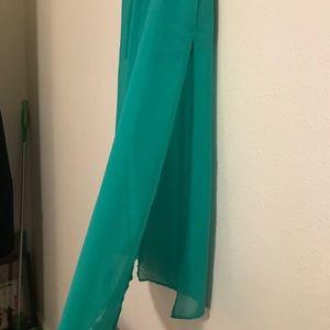 Maxi skirt open on sides